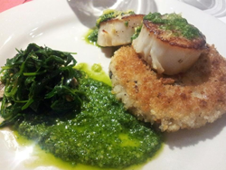 Seared scallop on a crispy wild mushroom risotto cake drizzled with arugula pesto from Fat Cam's wine dinner. Served with the 2011 Glenwood Cellars Sauvignon Blanc.