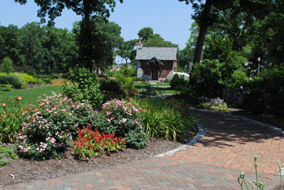The Wellfield Botanic Gardens master plan is approximately half completed. Currently there are 7 or 8 completed gardens and several others under construction.